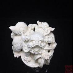 狮子摆件 猛犸象牙顶尖白冰料 大师雕刻 带有赤子落款 狮子百兽之王